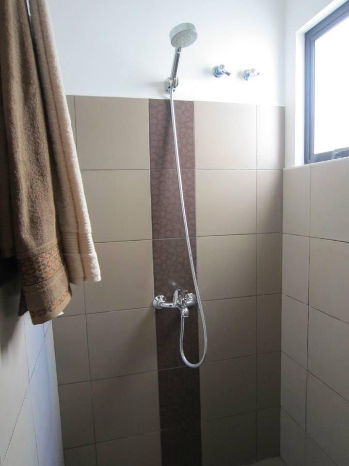 2f shower room