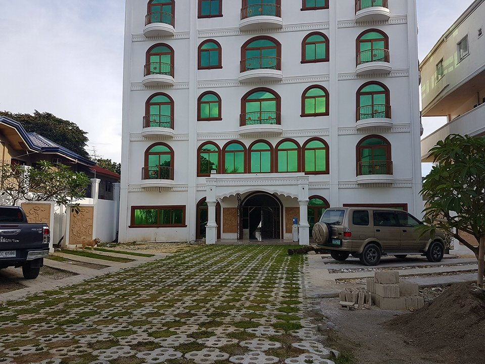 Brandnew 5storey Hotel for Sale or lease Mactan Lapu-lapu City Cebu