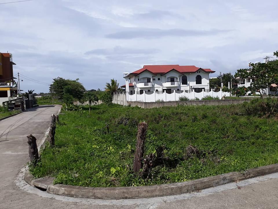 Prime lot for sale white sands Maribago Lapu-Lapu City, Cebu