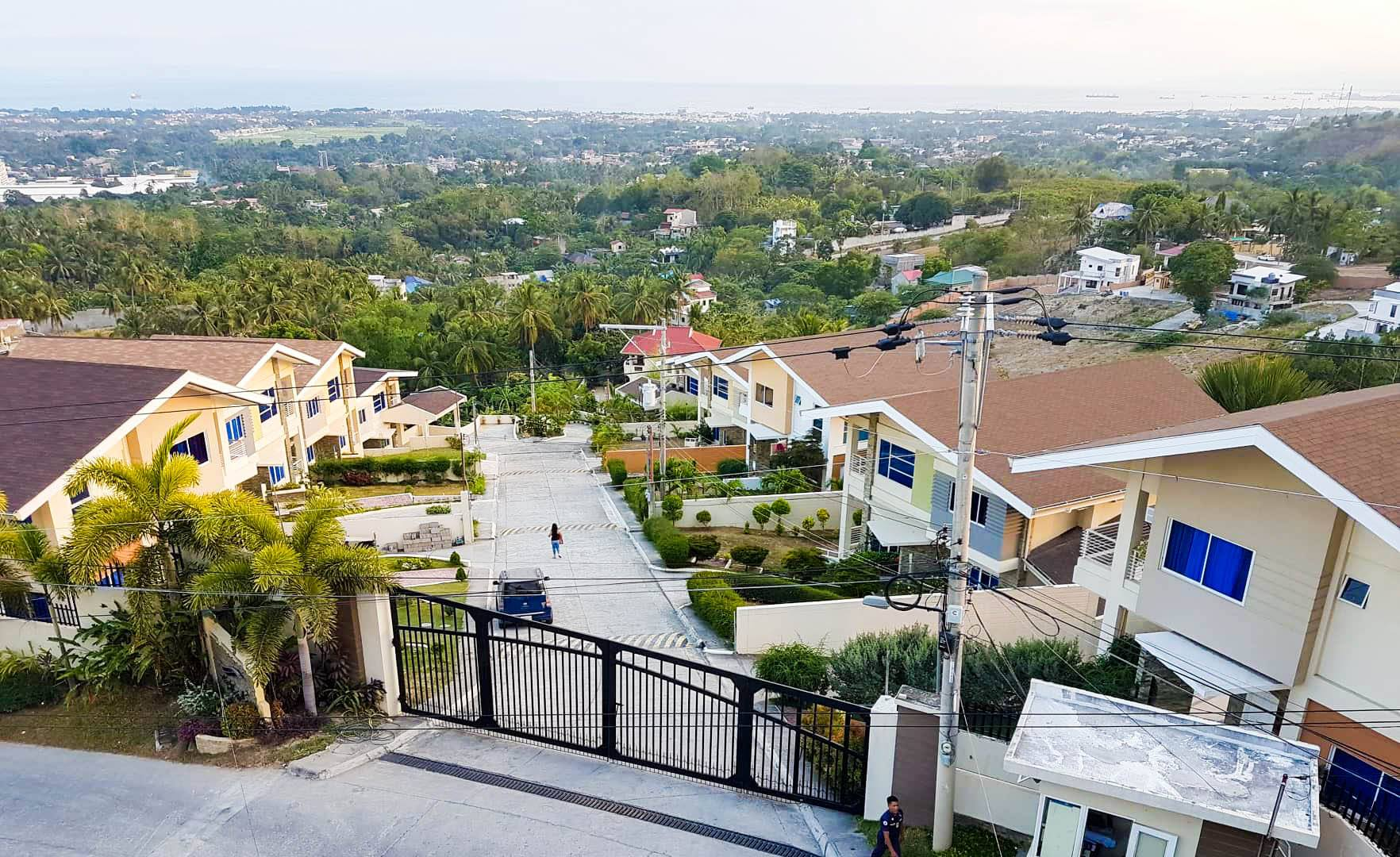 Magnificent 5BR overlooking house for sale Talisay City near SRP
