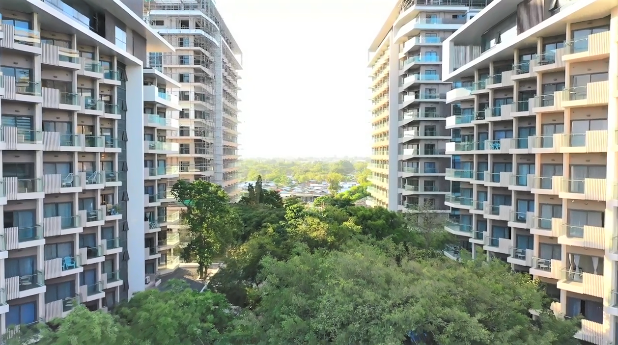 3BR PENTHOUSE TAMBULI SEASIDE RESIDENCE – Exclusive pool and Viewing Deck